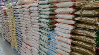 دستهای پنهای پشت پرده واردات برنج/ 4 میلیون تن برنج وارد کشور شد/ در نمایشگاه کشورهای عربی، برنج ایرانی کیلویی 28 هزار تومان فروخته شد