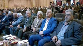 نشست ِ«به احترام معلم» در تاکستان برگزار شد