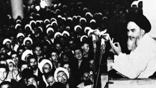 تصاویر کمتر دیده شده از قیام خونین 15 خرداد