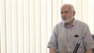 احمد توکلی در واکنش به دغدغههای اقتصادی یک جوان از برگزاری جلسه با اقتصاددانان برای پیشنهاد راه حل به دولت برای وضعیت فعلی اقتصاد خبرداد +عکس