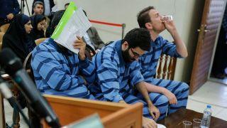دردومین جلسه محاکمه متهمان واردکننده تلفن همراه با ارز دولتی چه گذشت؟/ فاکتورسازی برای فروش ۲۱۰ گوشی وارداتی