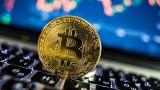 گفتوگو با یک استخراجکننده ارز مجازی/ چطور میتوان بیتکوین را به پول تبدیل کرد؟